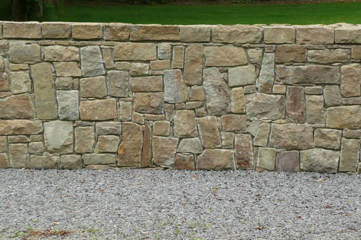Stone.wall.sandstone.2