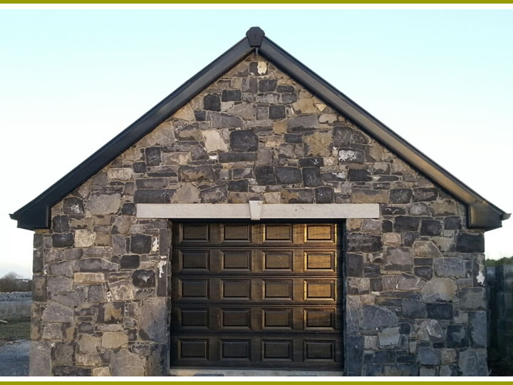 Stone.Garrage.With.Cutstone.Cladding