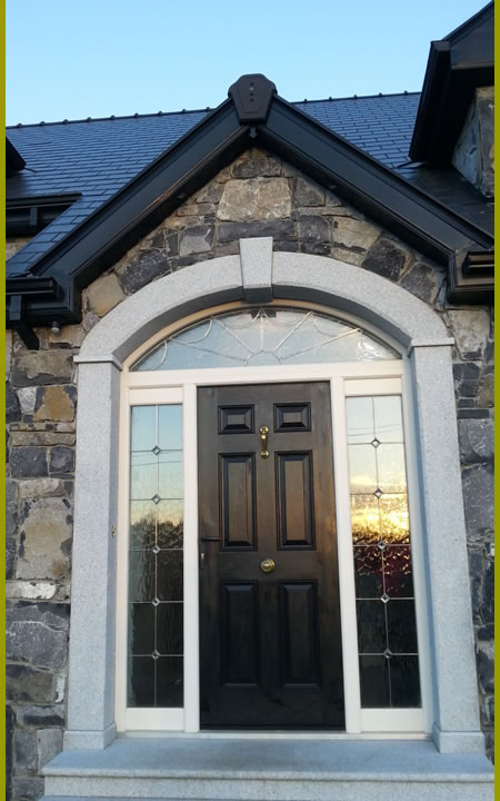 Stone.House.With.Cutstone.Archway.Cladding.440.by.720