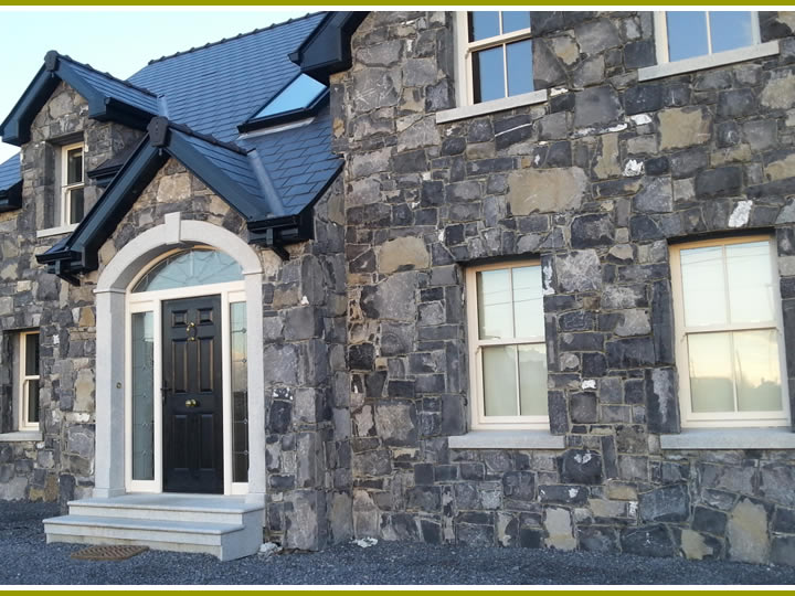 Stone.House.With.Door.Archway.Cladding.3